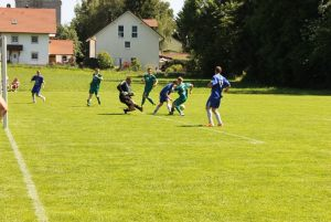 14_06_int_fussballturnier_rk_21_spielszene_1000