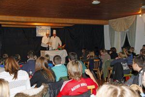 14_11_theater_jugendausschuss_berge_und_mehr_18_1000