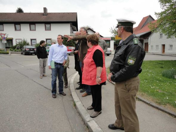 11 04 eroerterung strassensituation fbg 590